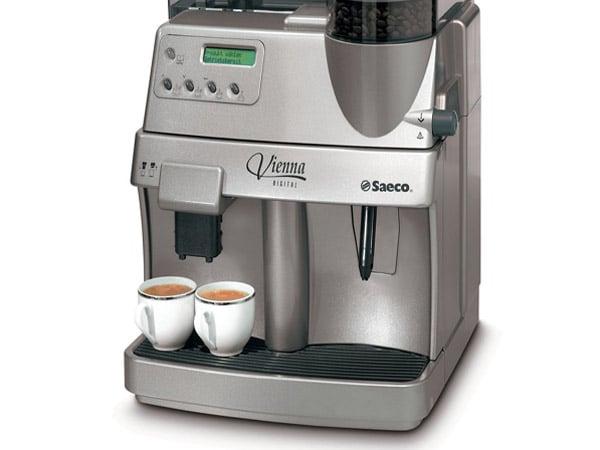Macchina-del-caffe-a-capsule-Cesenatico